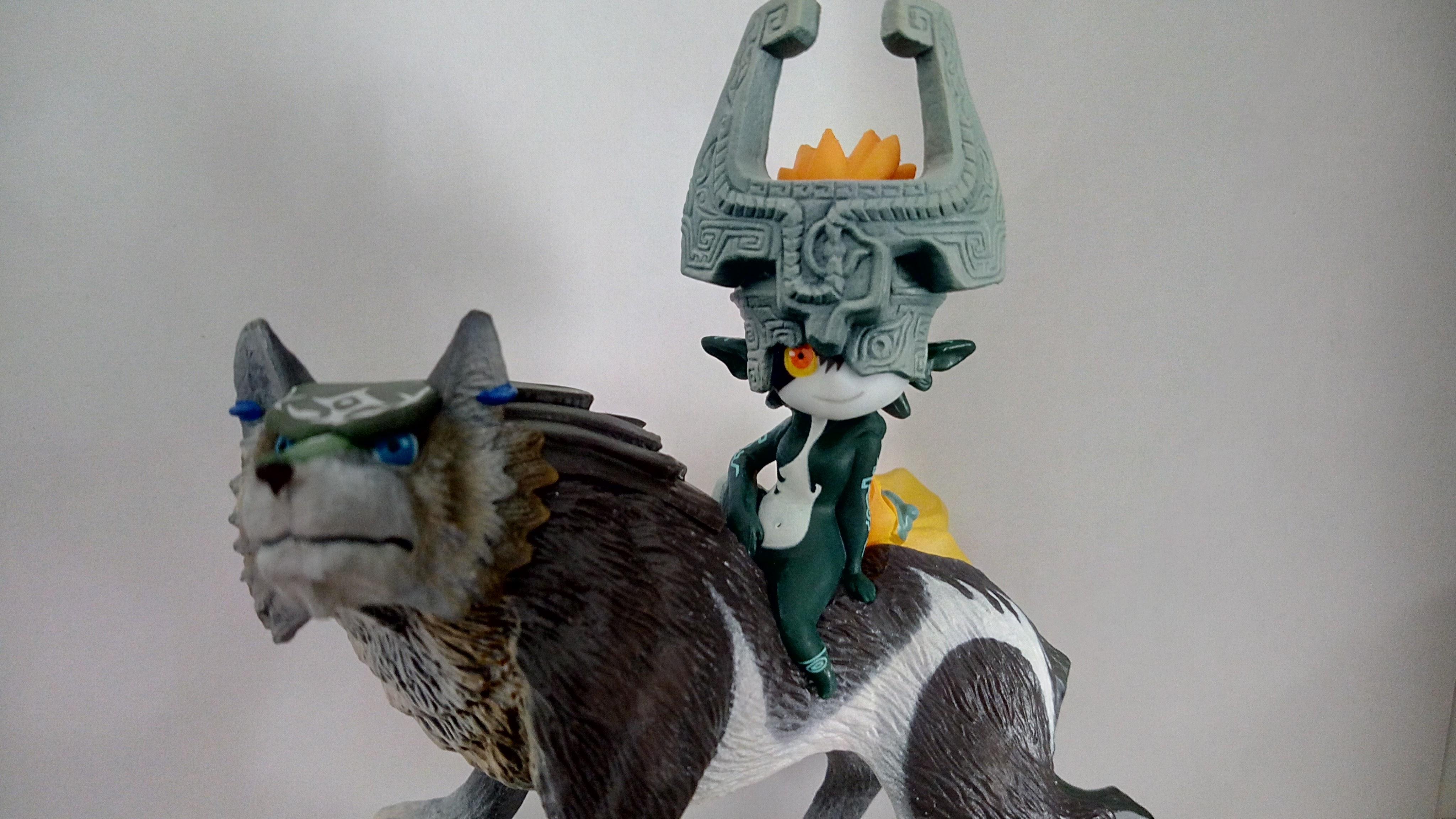 Midna y Link Lobo amiibo NewEsc