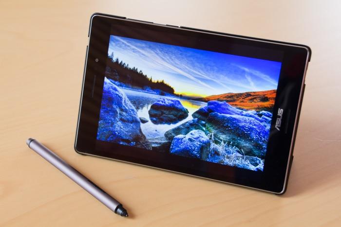 ASUS ZenPad S 8.0 junto al Z Stylus