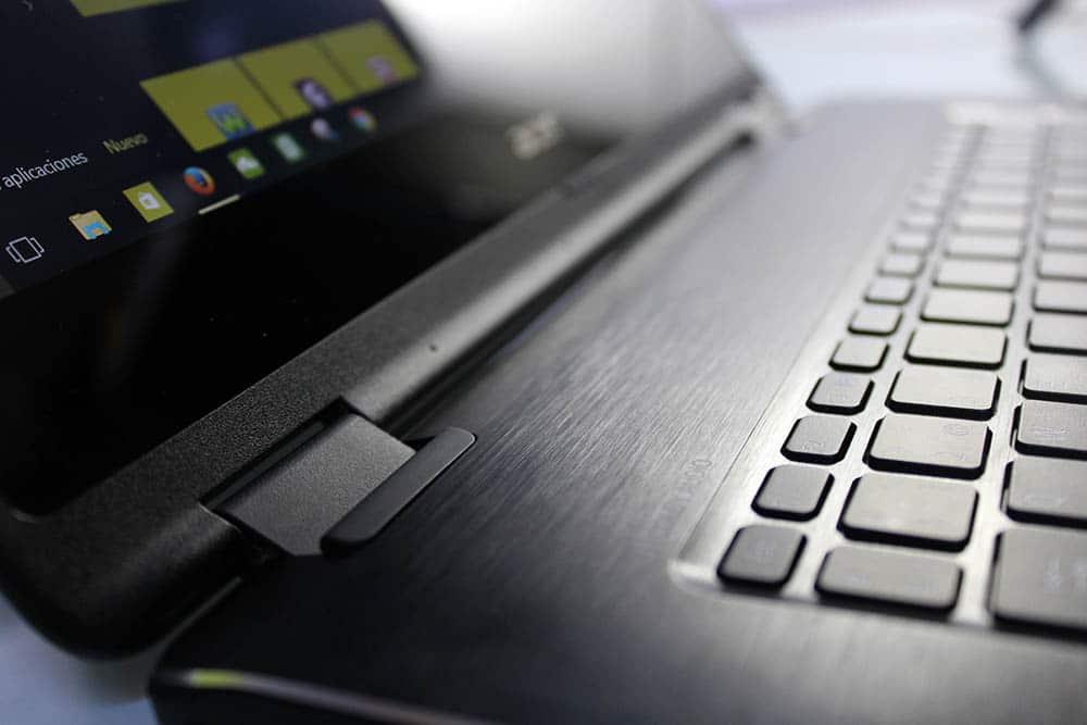 Acer Aspire R 14 dobradisas