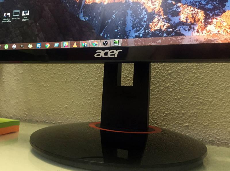 Acer Predator XB270HU logo y base