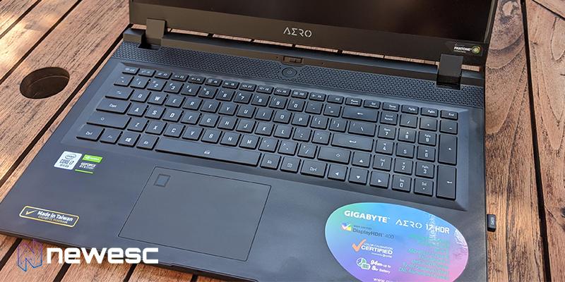 Aero 17 hdr aerea teclado
