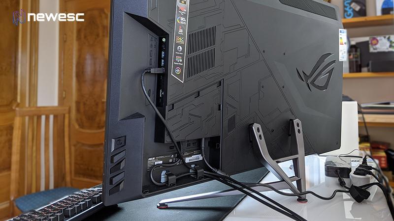 Asus ROG PG43UQ Conectividad