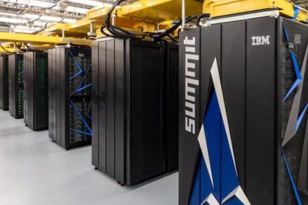 Centro de datos con superordenadores SUMMIT