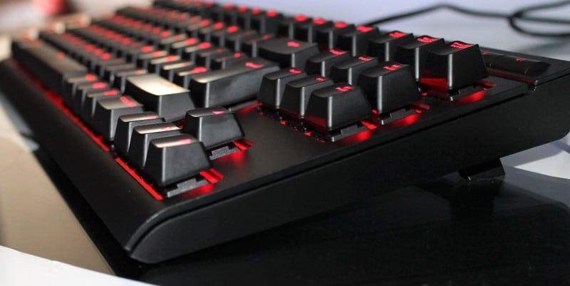 Corsair k63 teclado lateral