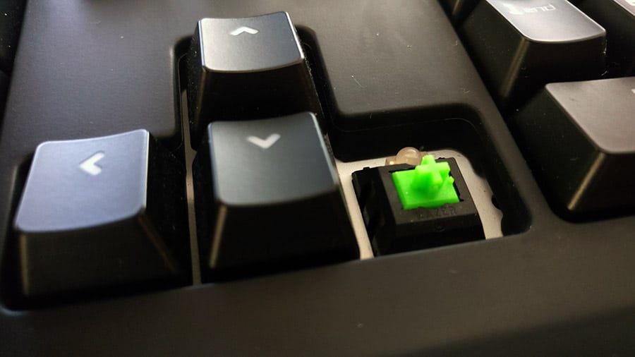 detalle-switch-razer-blackwidow-chroma-newesc