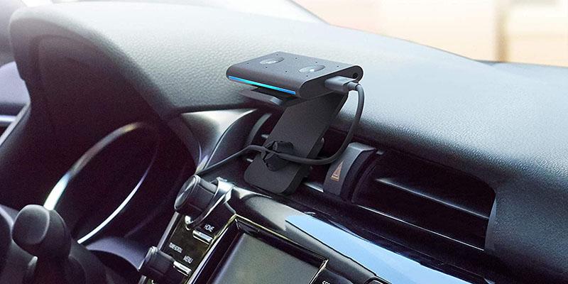 Echo Auto con el soporte