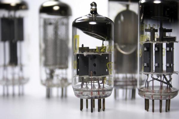 Generaciones de computadoras Tubos de vacío