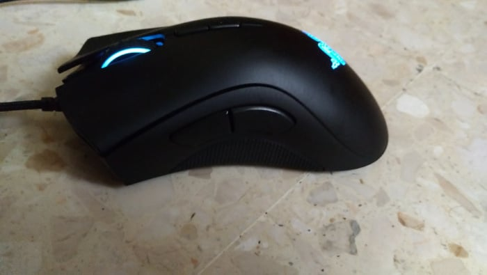 Lateral Razer Deathadder Elite