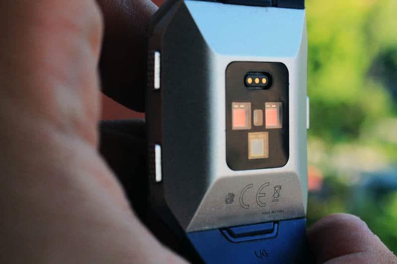 NewEsc Review Fitbit Ionic detalle sensores
