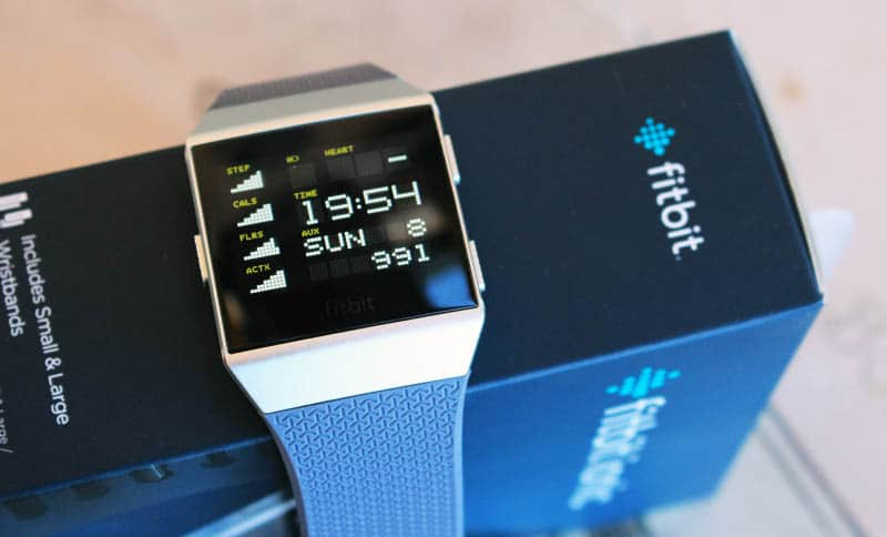 NewEsc Review Fitbit Ionic y caja