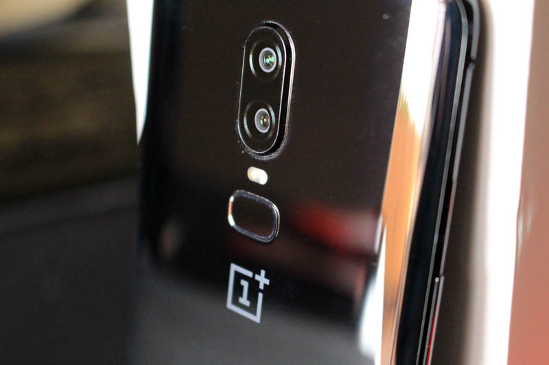 NewEsc Review OnePlus 6 trasera