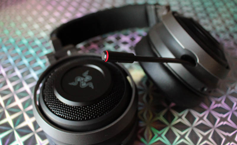 NewEsc Review Razer Nari Ultimate micrófono