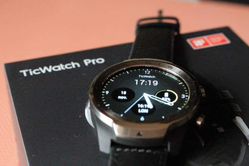 NewEsc Review TicWatch Pro con caja