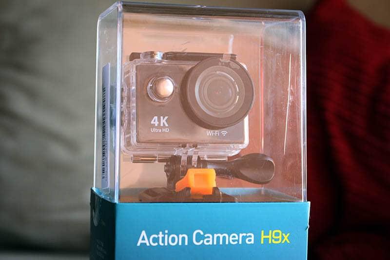 NewEsc Review cámara H9x caja