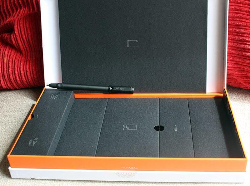 Packaging Lenovo Yoga Book NewEsc