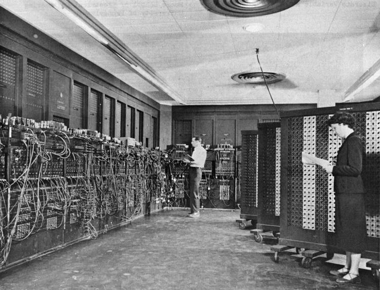 Primera generacion de ordenadores ENIAC 1946