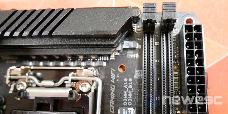 REVIEW ASUS ROG STRIX Z590I GW PUERTOS RAM