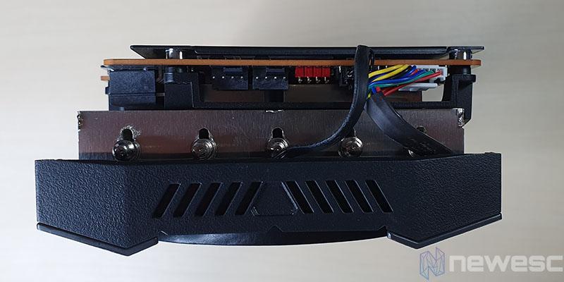 REVIEW ASUS RX 5700 XT STRIX EXTERIOR
