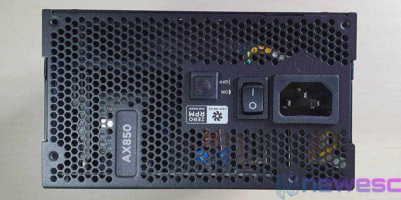 REVIEW CORSAIR AX850 DETRAS