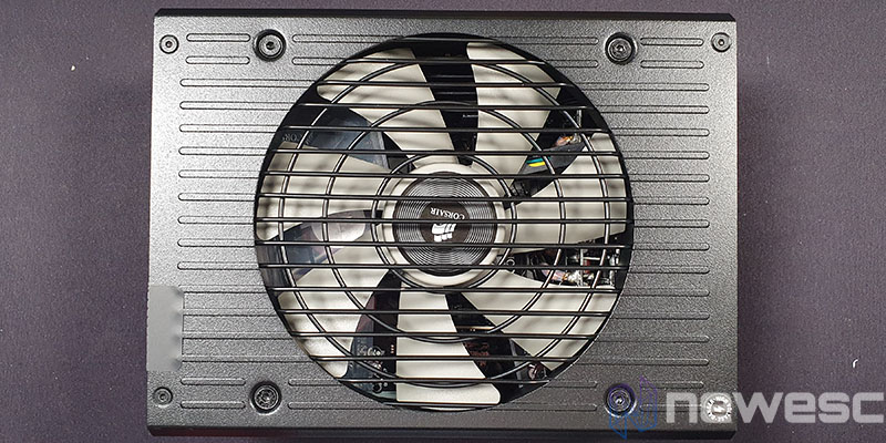 REVIEW CORSAIR HX1200I LADO VENTILADOR