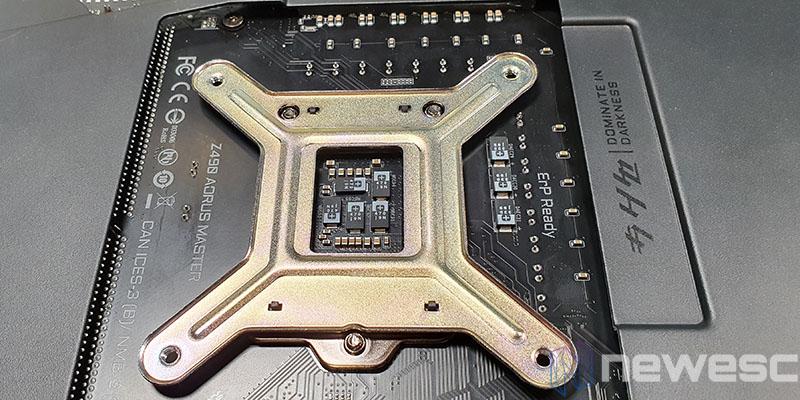 REVIEW EKWB EK AIO 240 D RGB BLOQUE CPU INSTALACION 4