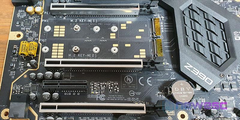 REVIEW EVGA Z390 DARK PUERTOS PCIE