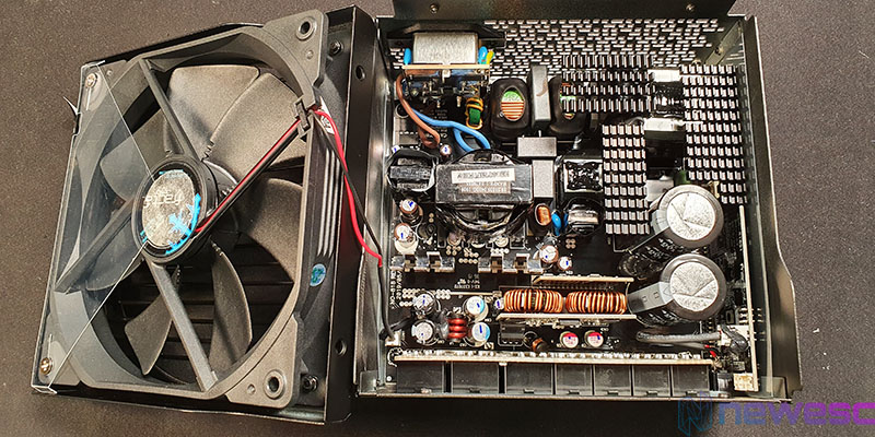 REVIEW FRACTAL ION 760P COMPONENTES INTERNOS 2