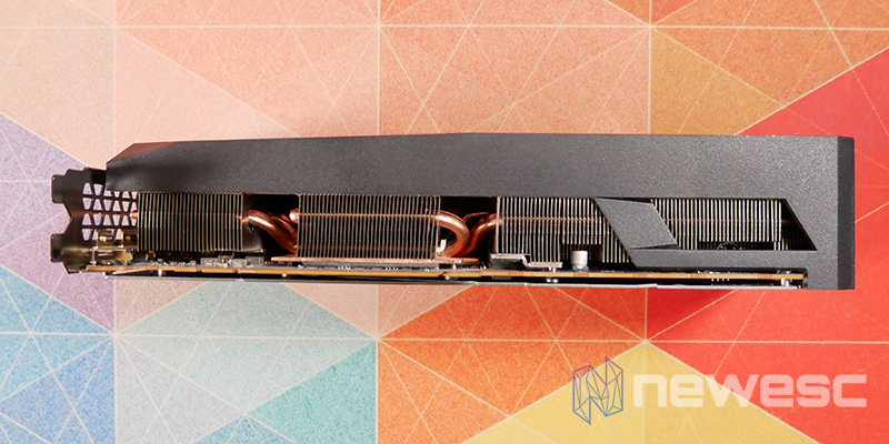 REVIEW GIGABYTE RX 6800 XT GAMING OC LATERAL INTERNO
