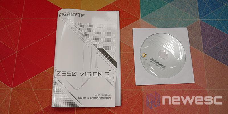 REVIEW GIGABYTE Z590 VISION G ACCESORIOS