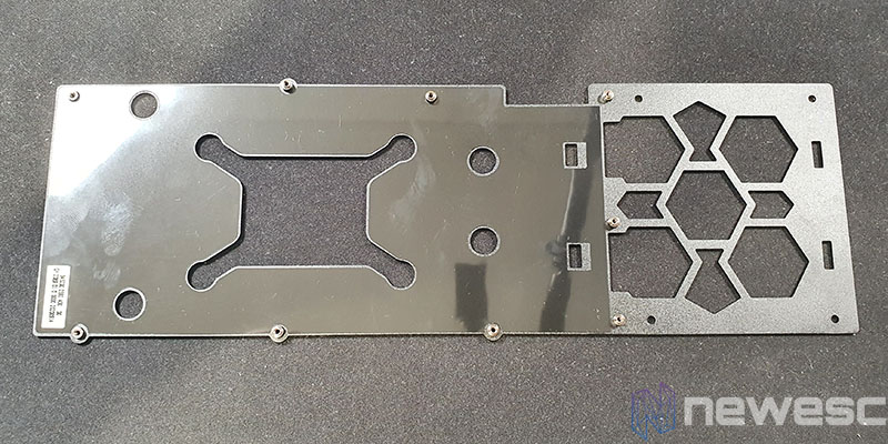 REVIEW KFA2 RTX 3070 SG BACKPLATE INTERNO