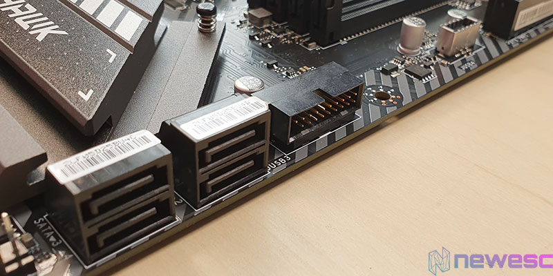REVIEW MSI MAG Z490 TOMAHAWK SATA Y USB
