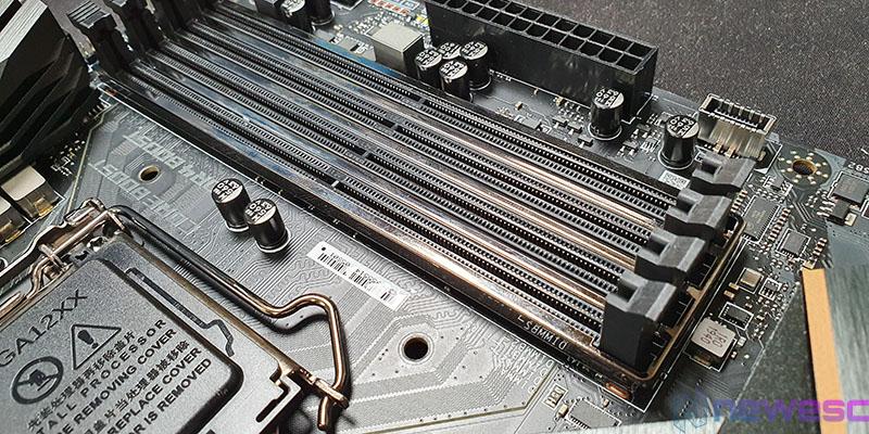 REVIEW MSI MEG Z490 ACE PUERTOS DIMM