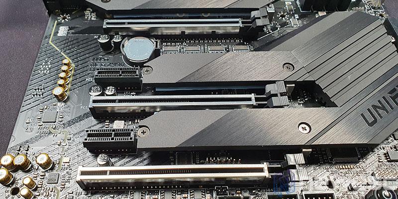 REVIEW MSI MEG Z490 UNIFY PUERTOS PCIE
