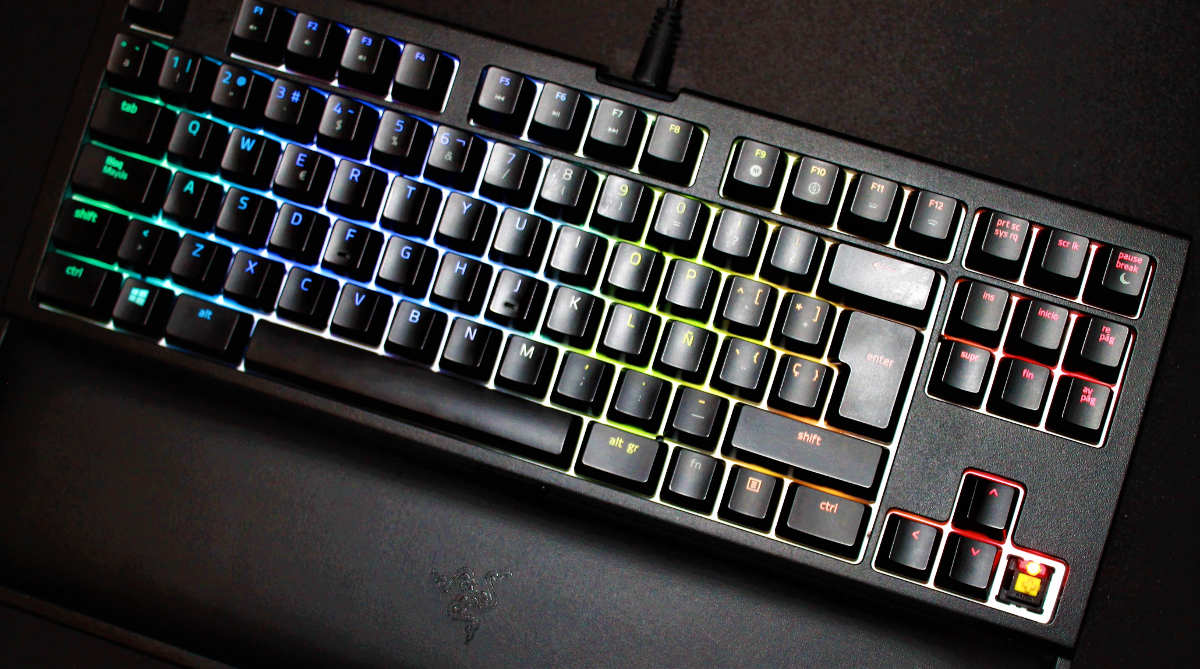 Razer Blackwidow Tournament Edition chroma v2 frente