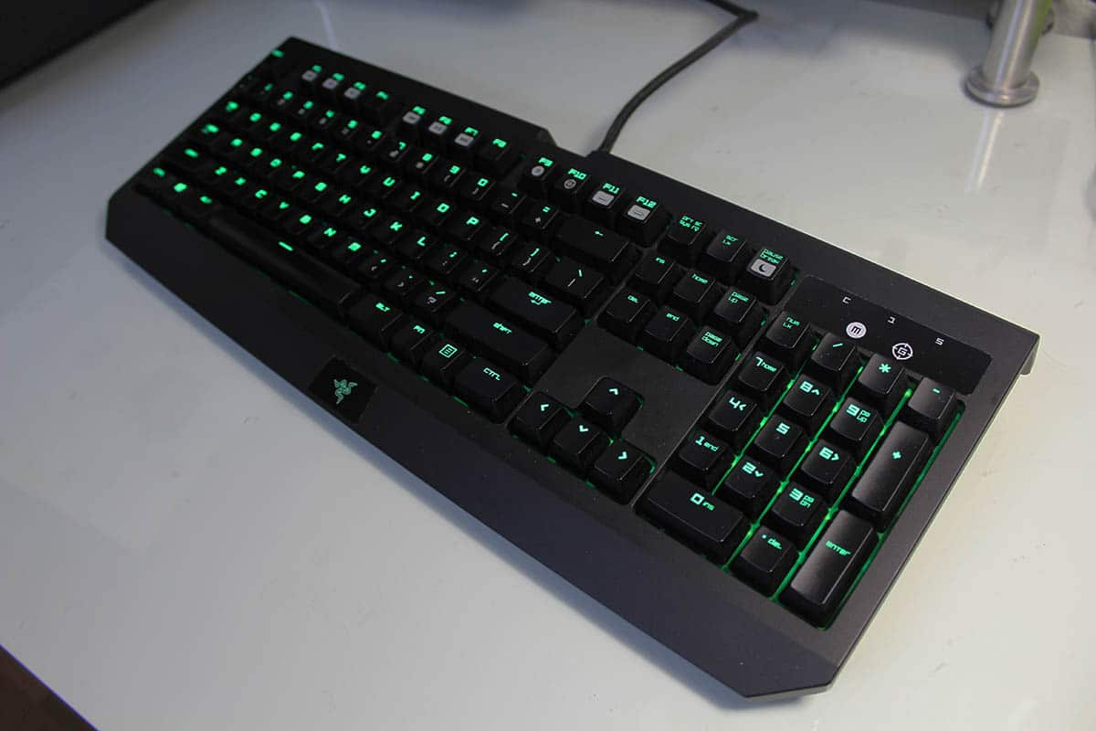 razor-blackwidow-ultimate-2016-teclado-desde-arriba