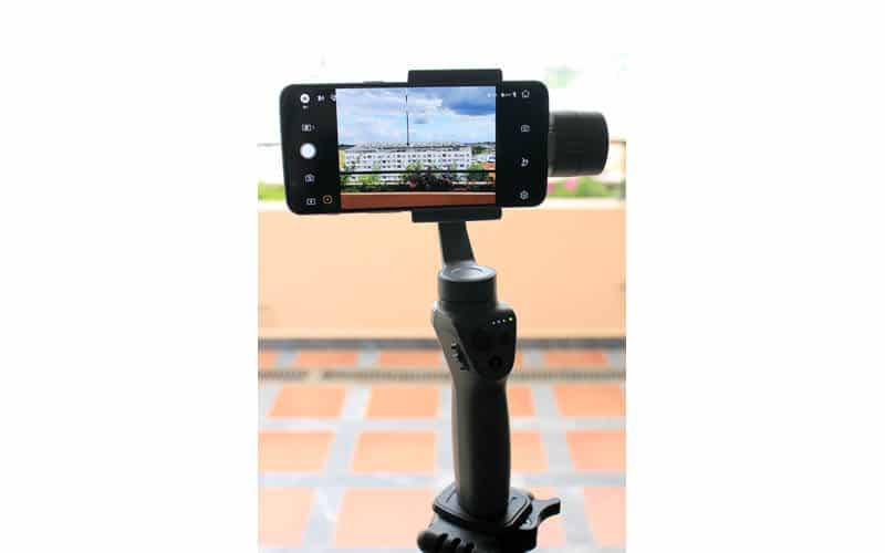 Review DJI Osmo Mobile 2 NewEsc en uso 2