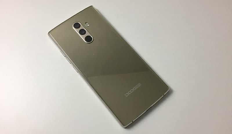 Review DOOGEE Mix 2 carcasa trasera