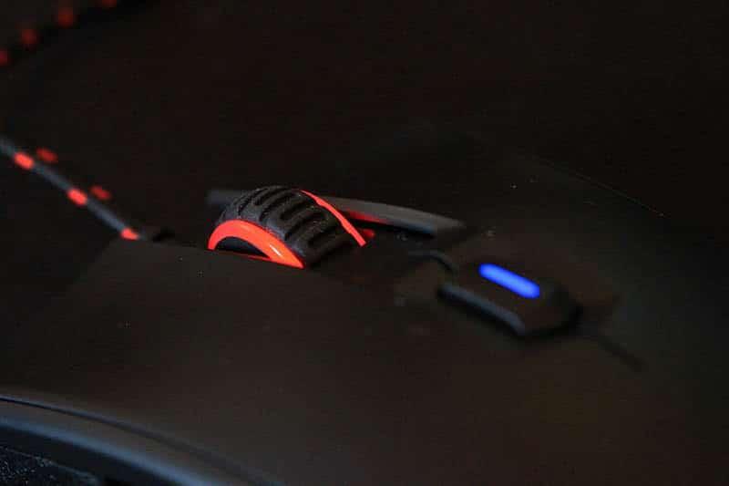 Review HyperX Pulsefire FPS Fury S NewEsc detalle rueda y boton