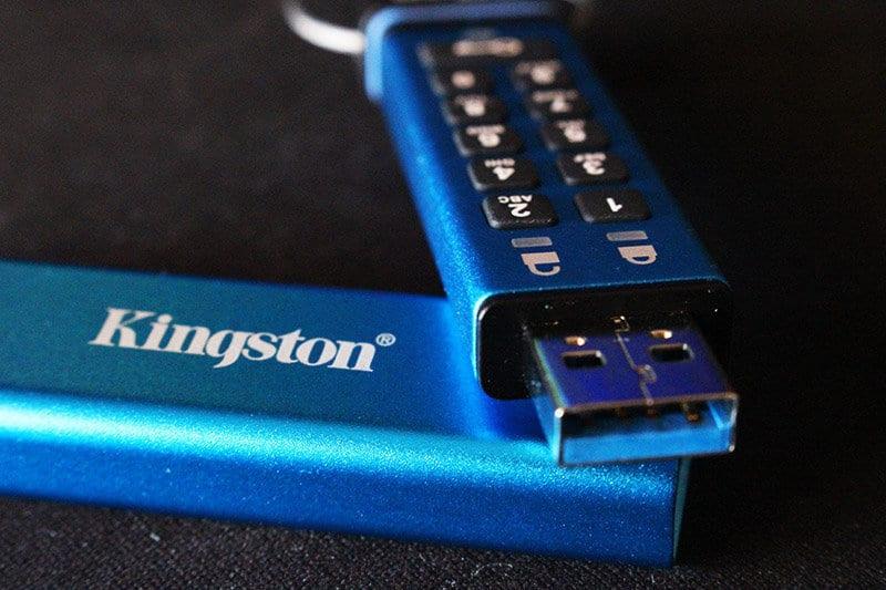 Review Kingston DataTraveler 2000 NewEsc detalle