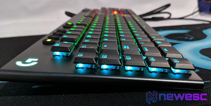 Review Logitech G815 RGB LIGHTSYNC 3