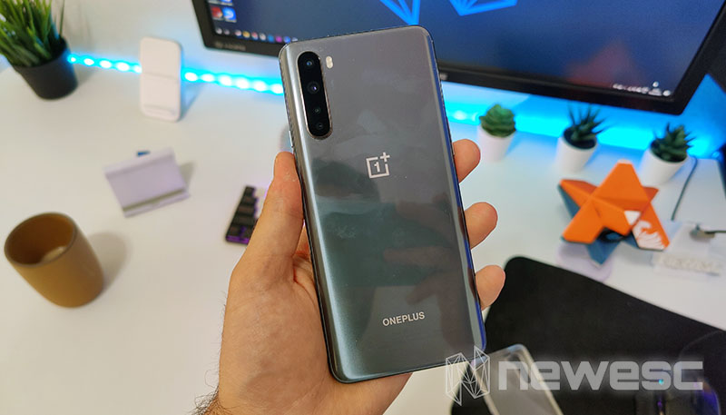 Review OnePlus Nord Detrás