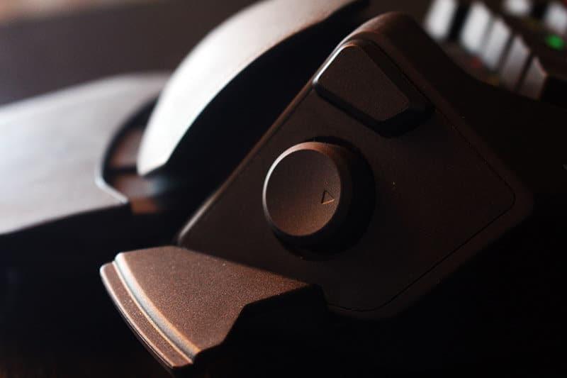Review Razer Orbweaver NewEsc botón direccional pulgar