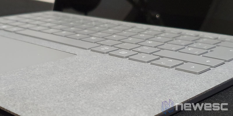 Review Surface Laptop 2 teclado y trackpad