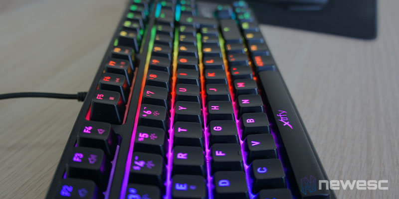 Review Xtrfy K4 RGB TKL 11