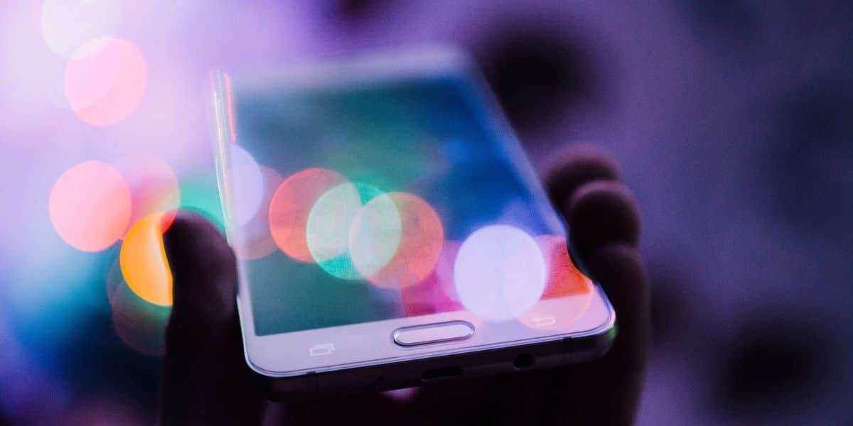 Smartphone móvil samsung noche