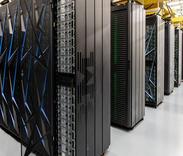 Super ordenadores summit en centro de computación