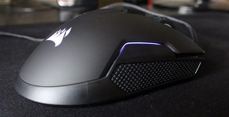Vista derecha Review ratón Corsair Glaive RGB NewEsc