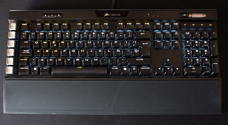 Vista superior Corsair K95 RGB Platinum NewEsc