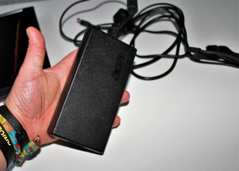 acer predator helio 300 bateria