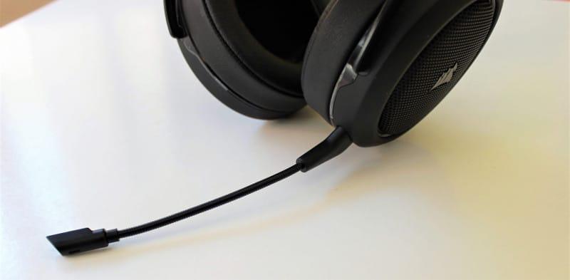 corsair hs70 microfono 1